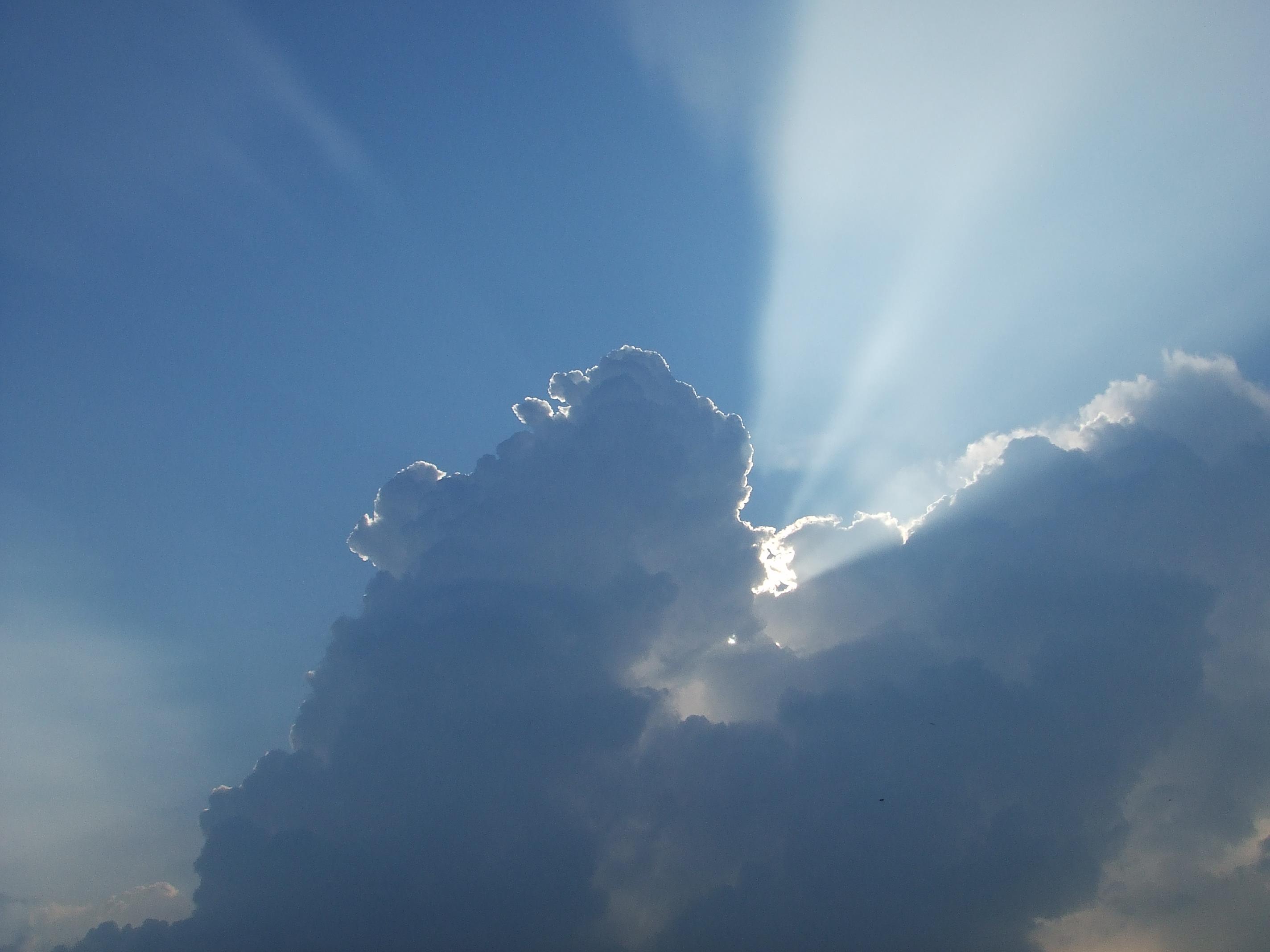 Regen En Zonneschijn : Na regen komt zonneschijn het kontakt fotowedstrijden